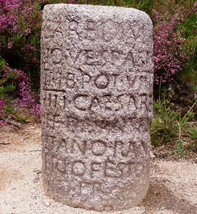 Piedra miliar. Foto: Júlio Reis
